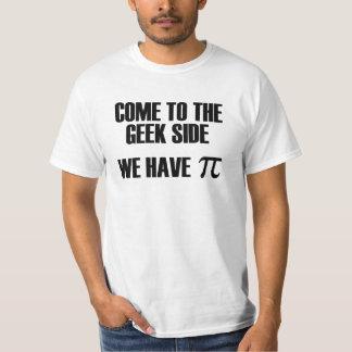 Vindo ao lado do geek nós temos a camisa do pi camisetas