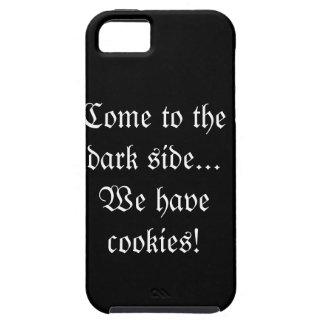 Vindo ao lado escuro… nós temos biscoitos! capa iPhone 5