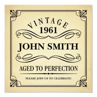 Vintage envelhecido ao aniversário engraçado da convite quadrado 13.35 x 13.35cm