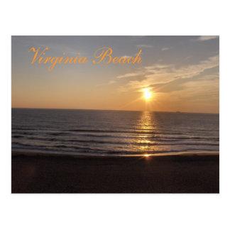 Virginia Beach no por do sol Cartão Postal