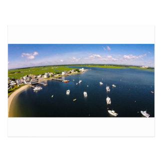 Vista aérea do oceano e dos barcos cartão postal