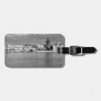 Vista da ponte de Charles em Praga Etiqueta De Bagagem