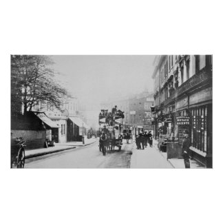 Vista da rua da igreja, Kensington c.1906 Poster