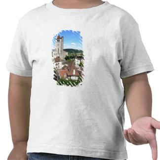 Vista da vila e da igreja (foto) t-shirts