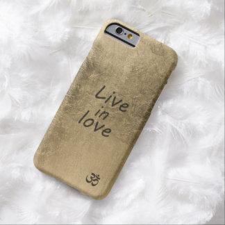 Viva no amor capa barely there para iPhone 6