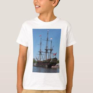 VOC de madeira do navio da vela de Amsterdão - Tshirts