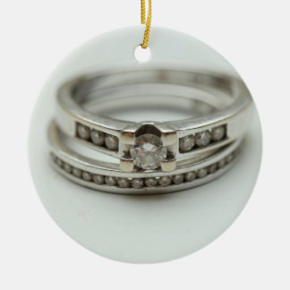 Você casar-me-á? Ornamento do anel de diamante