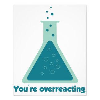 Você é taça Overreacting da ciência da química Panfleto Personalizados
