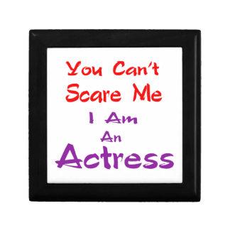 Você não pode susto mim que eu sou uma actriz porta trecos