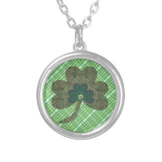 Weave verde com trevo colar banhado a prata