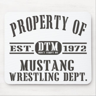 Wresting do mustang! mouse pad