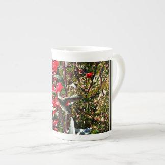 Xícara De Chá Copo de China de osso - colibri nas flores
