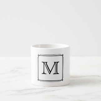 Xícara De Espresso Sua letra. Monograma preto e branco