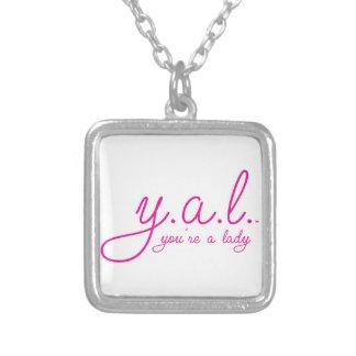 YAL - Você é um Lady™ Colar Com Pendente Quadrado