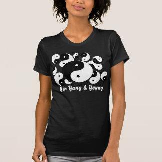 Yin Yang e camisa nova da família T
